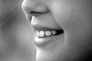 A mosoly mögötti lélekvesztés
