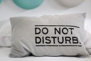 Mi a köze a párnának a tökéletes alváshoz? Az alvásszakértő megmondja a tutit!