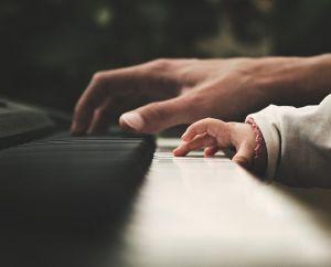 Énekelj a kapcsolatotokért!