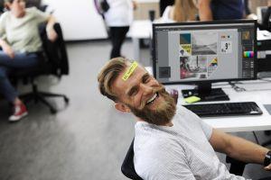 A pozitív munkahelyi élmény 1,5-szer több elkötelezett munkavállalót eredményezhet