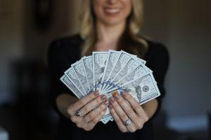 Pénzért nem lehet boldogságot venni – vagy mégis?