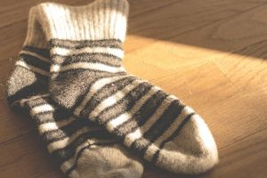 Varrjatok babákat zokniból